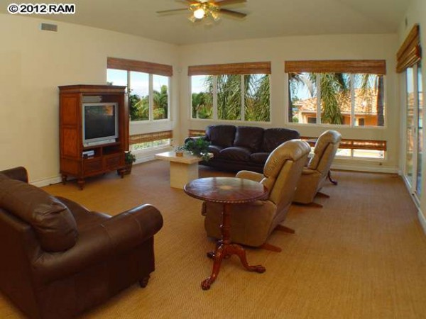 Ocean view kaanapali hillside home gets 100k price for Living room kumu kahua
