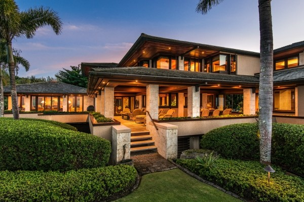 Kaua i beachfront estate with over 400 feet of white sand for Hawaii home builders