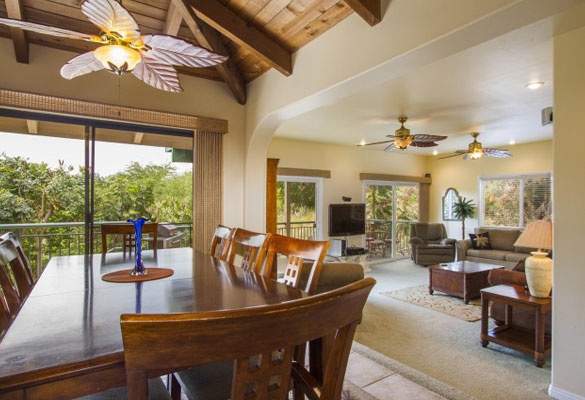 Incredible 5 bedroom maui meadows home with detached guest for Best private dining rooms honolulu
