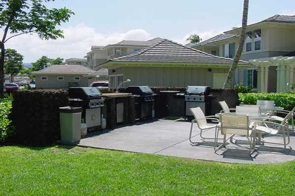 Fairway Villas grills